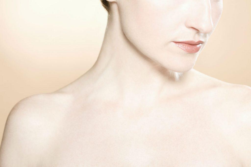 žena sa lepom kožom