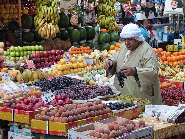 Kairanjin koji prodaje voće